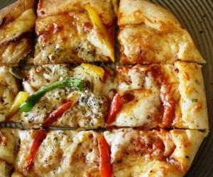 veggie-pizza-740x455